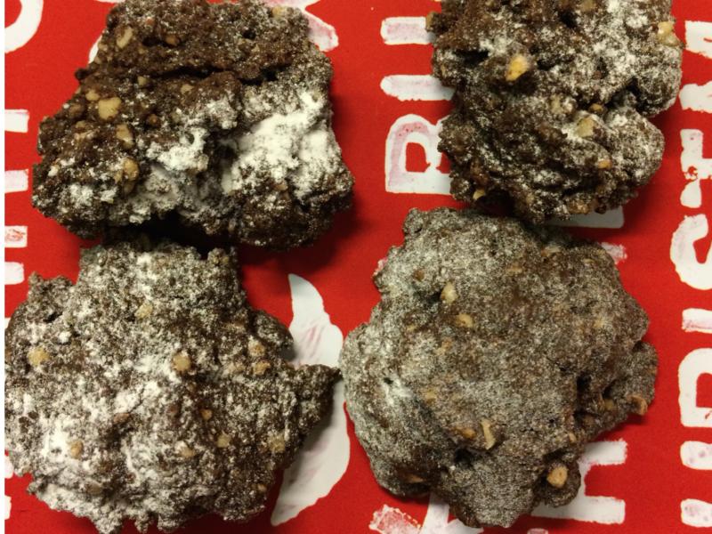 Schnelle Schokoladen-Kekse für kleine und große Leute